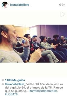Captura de pantalla de la portada del vídeo de la lectura del guión 8x01, en el cual se ve a Macarena Gómez al lado de José Luis Gil y Luis Miguel. Captura realizada por Andrés (@InfoMontepinar)
